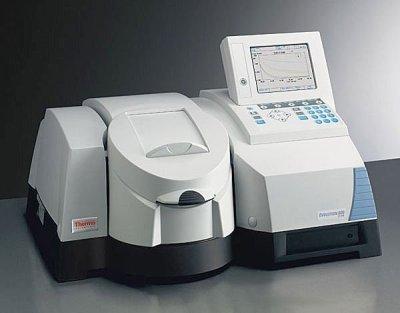 اسپکتروفتومتر (Uv-Visible Spectrophotometer)